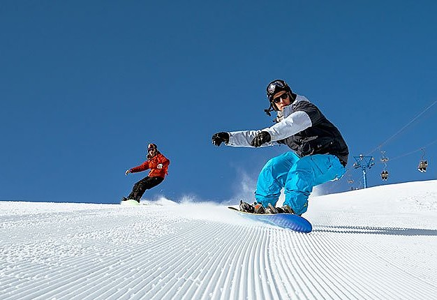 Group Snowboard-lessons for ADVANCED 4 hours from 10:00-12:00 a.m., 1.00-3.00 p.m.
