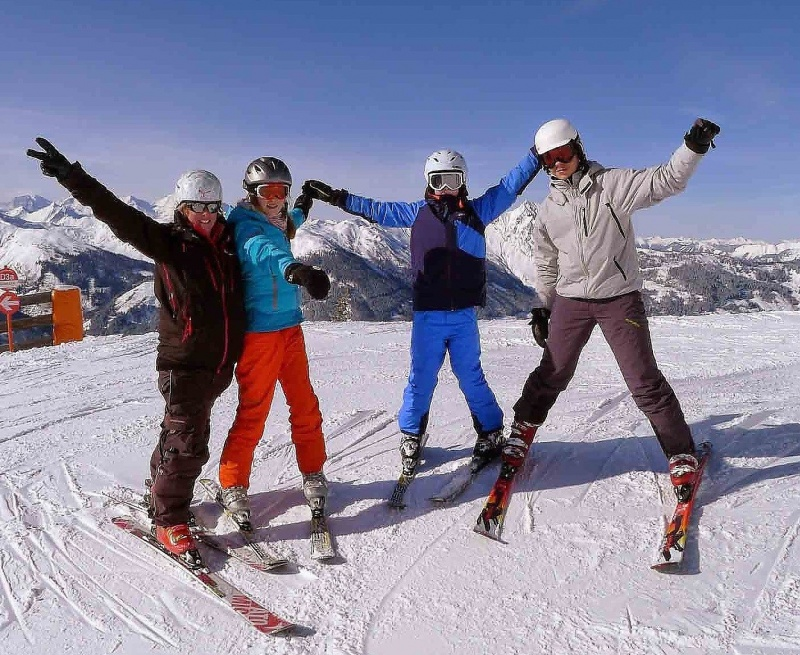 Group Ski-lessons for SKI-BEGINNERS 4 hours from 10:00-12:00 a.m., 1.00-3.00 p.m.