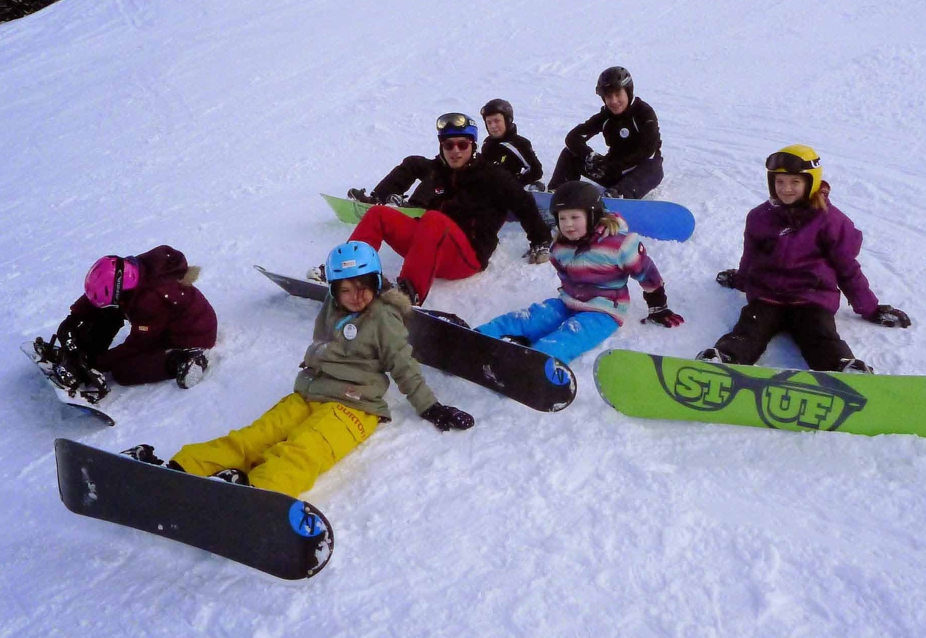 Group BEGINNER Snowboard-lessons 4,5 hours FULLDAY from 9:15-11:15 a.m., 12.15-2.45 p.m.