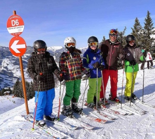 Group Ski-lessons for teenager aged 13-18 years