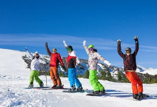 Group Snowboard-lessons 4,5 hours FULLDAY from 09:15-11:15 a.m., 12:15-14:45 p.m. for max. 7 people